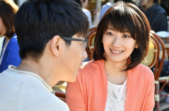 東出昌大、波瑠/「あなたのことはそれほど」第1話より(画像提供:TBS)