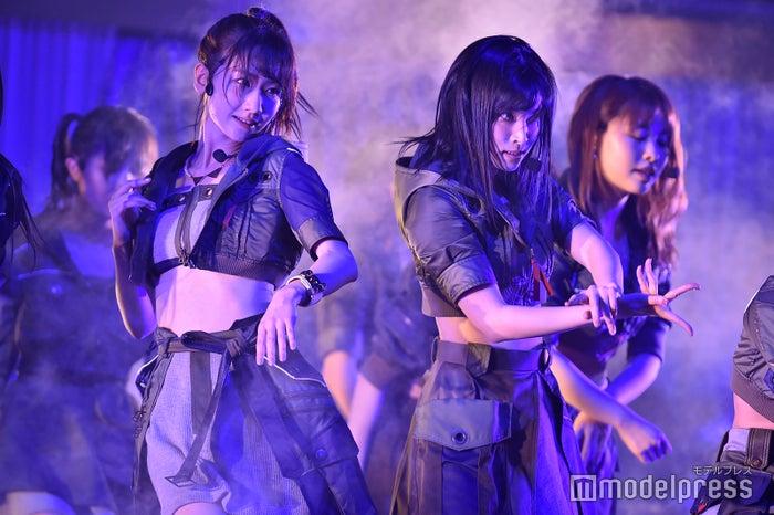 柏木由紀、谷口めぐ「AKB48 チームB単独コンサート~女神は可愛いだけじゃない~」 (C)モデルプレス