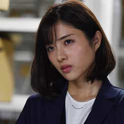 石原さとみ/「アンナチュラル」第5話より(C)TBS