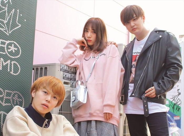 さんこいち/(左から)ほりえりく、古川優香、Yapp!(やっぴ)「#てんこもりフルカワ 古川優香スタイルブック Make & Fashion」Photo/むっち(画像提供:KADOKAWA)