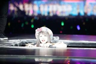 AKB48グループ感謝祭、松村香織が落下 峯岸みなみは前田敦子結婚を語る