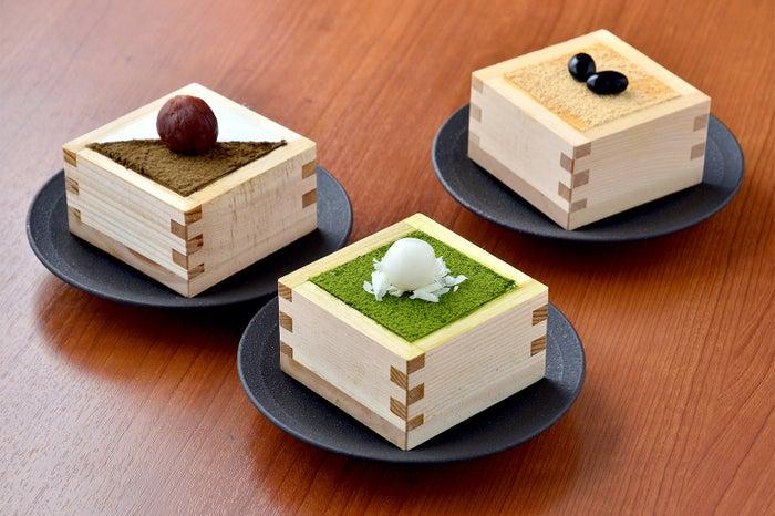 宇治抹茶とホワイトチョコをふりかけてティラミス風に仕上げ『生チーズケーキ』¥550~/画像提供:LIFEstyle