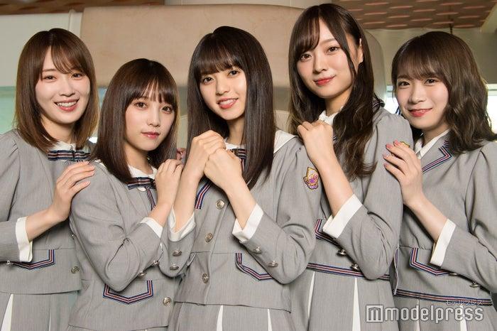(左から)高山一実、与田祐希、齋藤飛鳥、梅澤美波、秋元真夏(C)モデルプレス