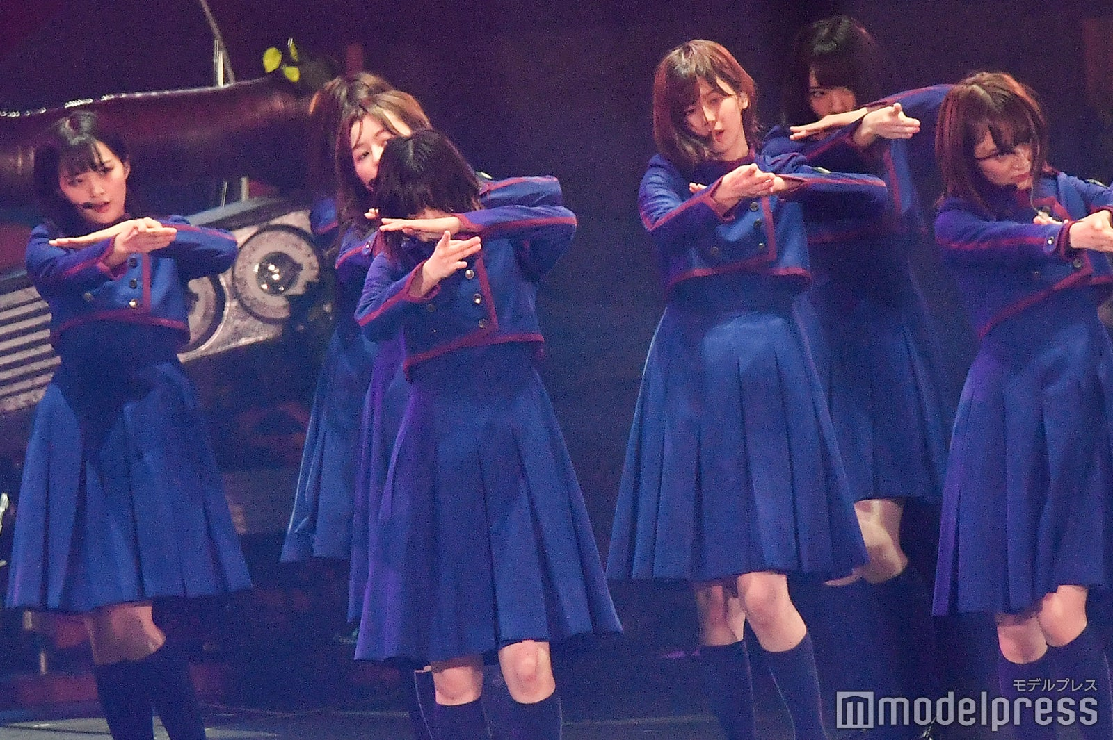 欅坂46、平手友梨奈センターで「不協和音」紅白ぶり披露 東京