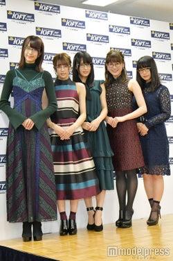 (左から)土生瑞穂、小林由依、菅井友香、守屋茜、長濱ねる(C)モデルプレス