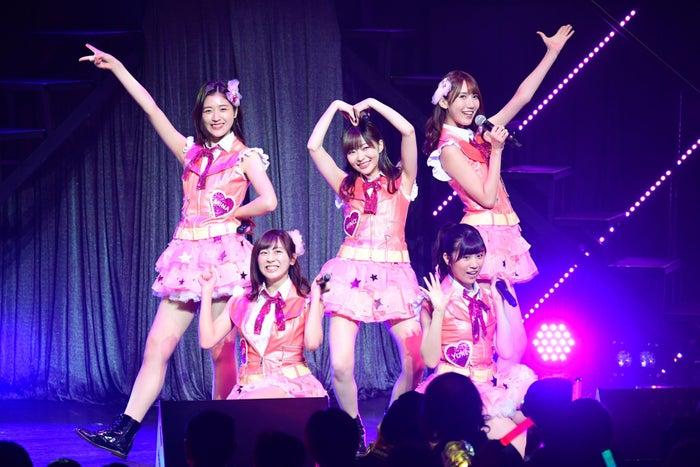 指原莉乃らによる「覚えてください」/「HKT48コンサート in 東京ドームシティホール~今こそ団結!ガンガン行くぜ8年目!~」(C)AKS