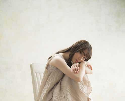 櫻坂46守屋麗奈、絹のような白肌に惚れ惚れ