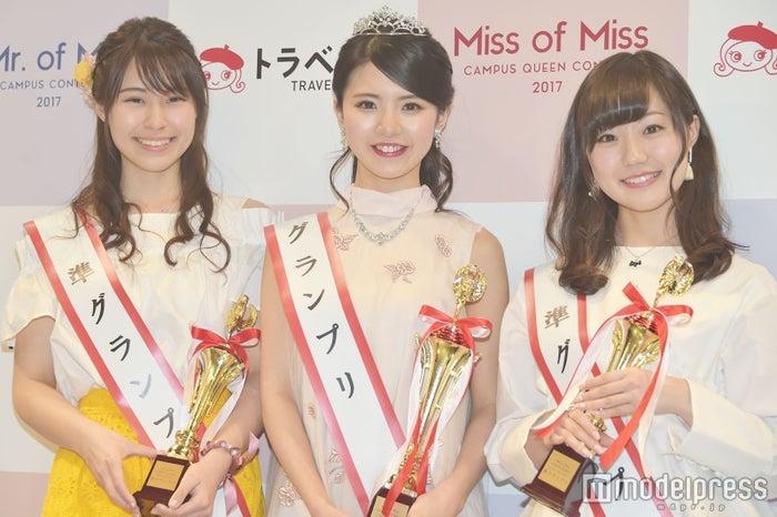 準グランプリ・浅古あいりさん、グランプリ・松田有紗さん、準グランプリ・大迫瑞季さん (C)モデルプレス
