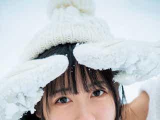 現役最高制服美少女・来栖りん、真っ白な雪原で水着姿