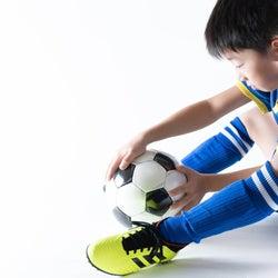 サッカーが上達せず、チームの足を引っ張るわが子。でもやめるとも言わない、かと言って自主練習もしない。どうすればいい?