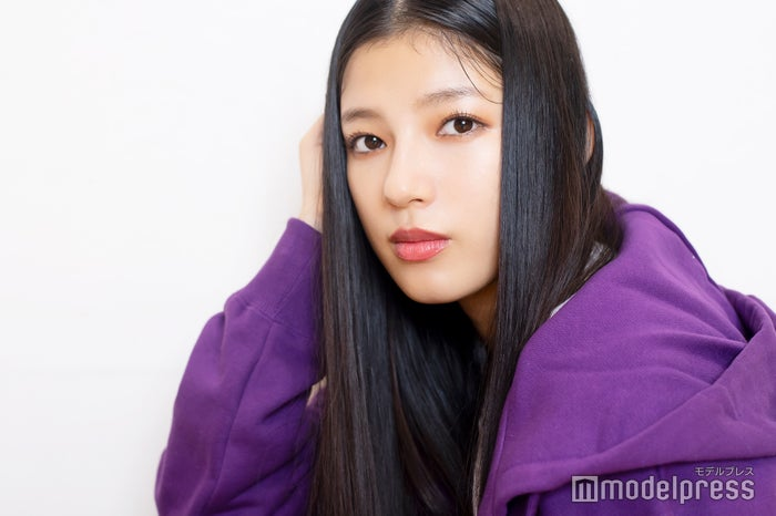 モデルプレスのインタビューに応じた石井杏奈(C)モデルプレス