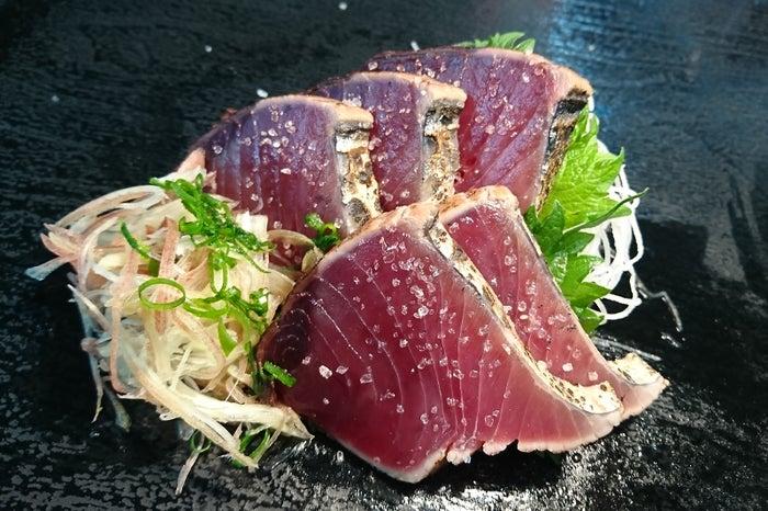 日吉丸 極上かつおの塩たたき/画像提供:ロッキング・オン・ジャパン