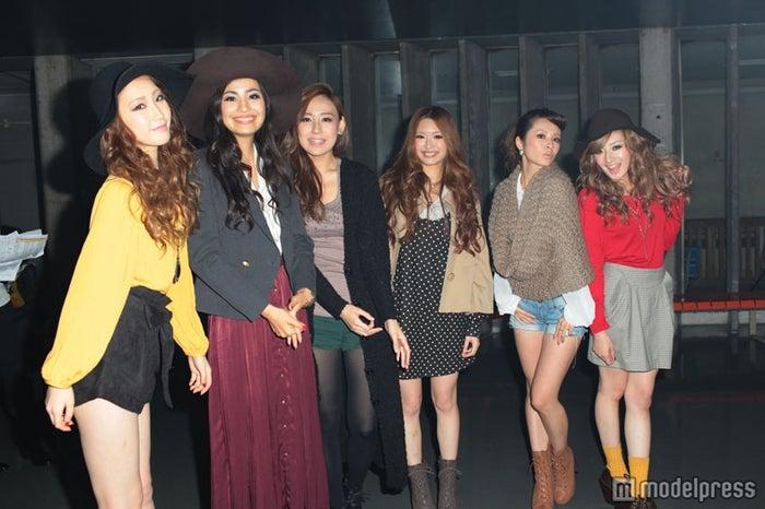 (左から)田辺音羽さん、須川未来さん、佐竹菜奈さん、村上紫保さん、高園あずささん
