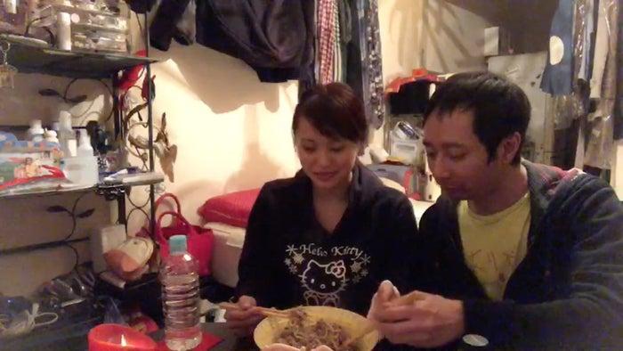 いしだ壱成&飯村貴子の同棲生活(写真提供:日本テレビ)