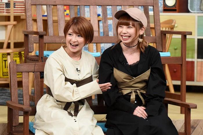 矢口真里と妹の美樹 (C)テレビ東京