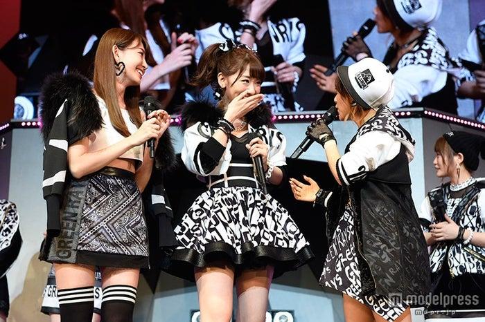 「AKB48リクエストアワーセットリストベスト1035 2015」小嶋陽菜、柏木由紀、高橋みなみ(C)AKS
