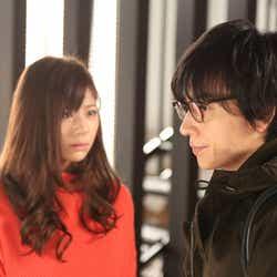 西内まりや、山村隆太/『突然ですが、明日(あした)結婚します』第7話より(画像提供:フジテレビ)