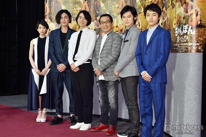 ドラマ「ちゃんぽん食べたか」会見(左から)森川葵、間宮祥太朗、菅田将暉、さだまさし、本郷奏多、泉澤祐希