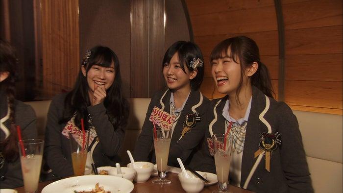 (左から)矢倉楓子、須藤凜々花、渋谷凪咲 (C)関西テレビ