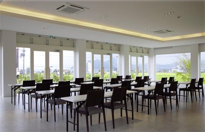 企業研修にも対応するコンベンションルームを完備/画像提供:マリントピアリゾート