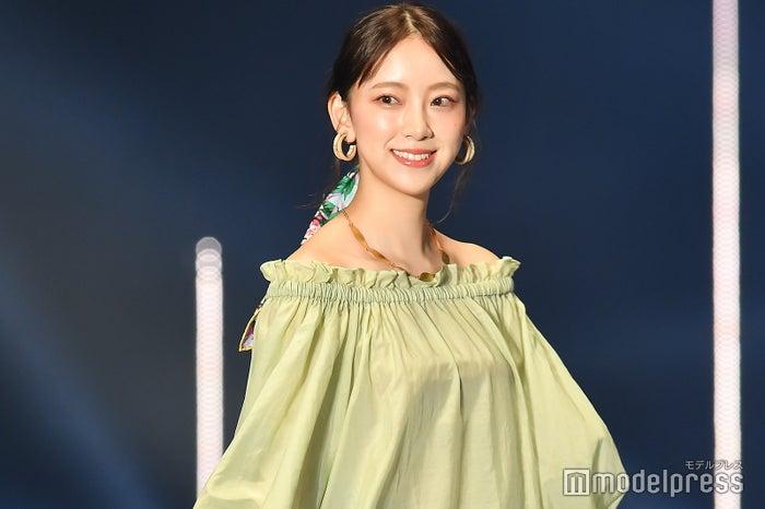 「第30回 マイナビ 東京ガールズコレクション 2020 SPRING/SUMMER」に出演した堀未央奈 (C)モデルプレス