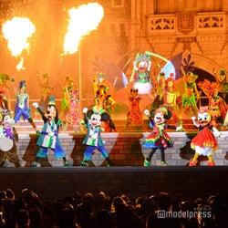 TDL6年ぶり城前夜のステージショー「オー!サマー・バンザイ!」初公開 ドナルドたちが迫力満点ダンス