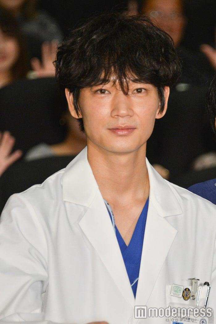 産婦人科医の鴻鳥サクラ先生(C)モデルプレス