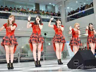 ℃-ute、ミニスカで新曲パフォーマンス 2千人が熱狂
