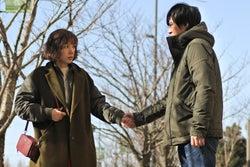 仲里依紗、塚本高史/「ホリデイラブ」第3話より(C)テレビ朝日
