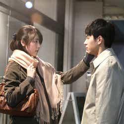 唐田えりか、東出昌大(C)2018 映画「寝ても覚めても」製作委員会/COMME DES CINÉMAS