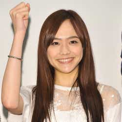 """モデルプレス - 松井愛莉が「誰からも愛される理由」""""ほっとけない""""魅力を知りたい"""