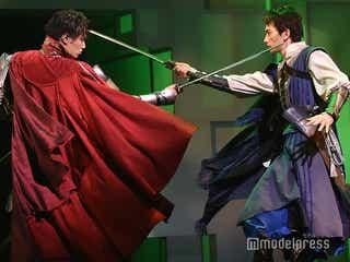 鈴木伸之&町田啓太が兄弟役、青柳翔が衝撃衣装で歌唱…劇団EXILE舞台「勇者のために鐘は鳴る」ゲネプロ