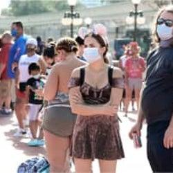 米フロリダでディズニー・ワールド再開 感染拡大のなか