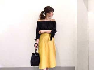大人がカラーフレアスカートを上手に着こなすには? 好バランスのカギは「引き締めの黒」にあり!