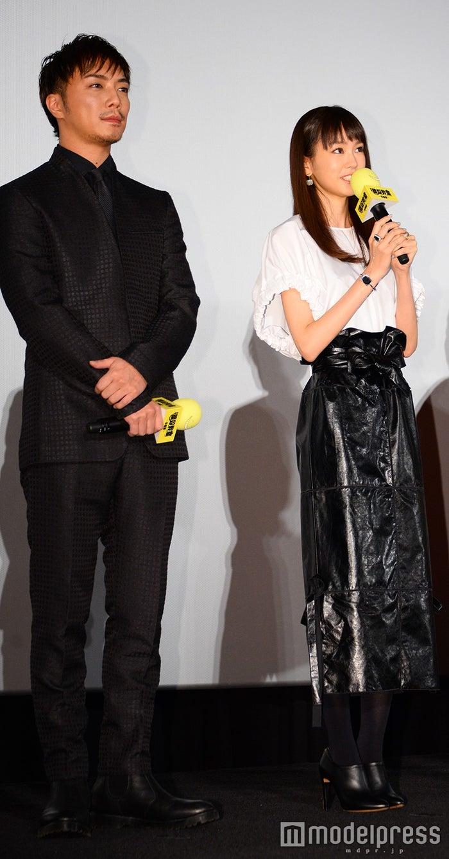 (左から)成宮寛貴、桐谷美玲(C)モデルプレス