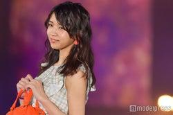欅坂46小林由依の可憐な微笑みにキュン 上品コーデでランウェイ<GirlsAward 2017 S/S>