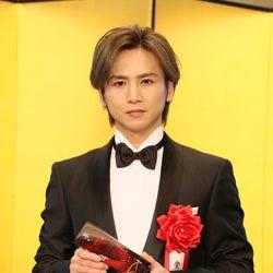 堂本光一、史上最年少受賞でジャニーさんへの思い語る 「菊田一夫演劇賞」授賞式