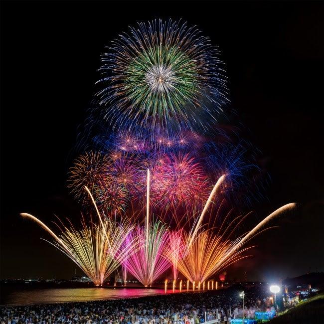 幕張ビーチ花火フェスタ過去開催時の様子/画像提供:よしもとクリエイティブ・エージェンシー