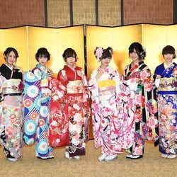 NGT48(左から)西村菜那子、奈良未遥、宮島亜弥、中井りか、村雲颯香、太野彩香(C)AKS