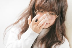 眼鏡を掛けている女性は可愛い!眼鏡女子が男性にモテる5つの理由