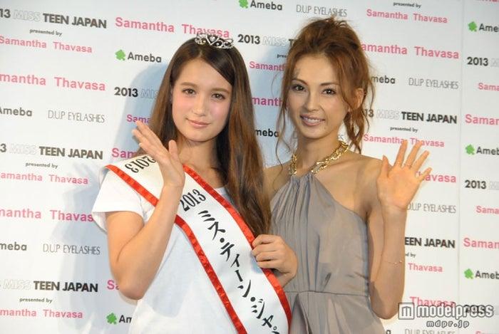 「2013ミス・ティーン・ジャパン」グランプリ・トラウデン直美さん、応援アンバサダーを務めるモデルの押切もえ