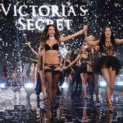 昨年12月に開催された「Victoria's Secret Fashion Show」フィナーレの様子/photo:GettyImage