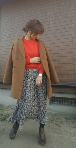 そろそろ春を意識したい♡ 冬の終わりの花柄スカート