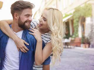 今すぐギュッてしたい…!男が惚れちゃう「隙のある女性」の特徴4つ