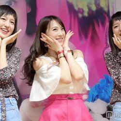 JY(中央)、りかりこに挟まれ「好きな人がいること」ダンスを披露(C)モデルプレス