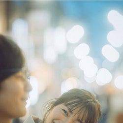 岡崎紗絵、有名脚本家が描き下ろしたフォトラブストーリーに「夜の公園や歩道橋のシーンは特にドキドキ!」