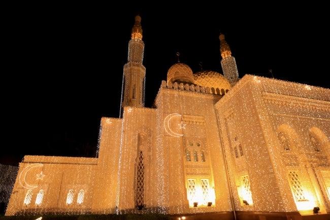 ラマダン期間中のモスク/画像提供:ドバイ政府観光・商務局