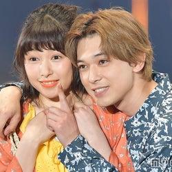 吉沢亮、桜井日奈子を引き寄せ密着「ママレ」再現に胸キュンの嵐<TGC2018S/S>