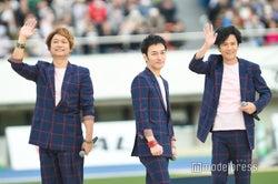 稲垣・草なぎ・香取、パラ駅伝で野外ライブ 1万7千人が熱い声援
