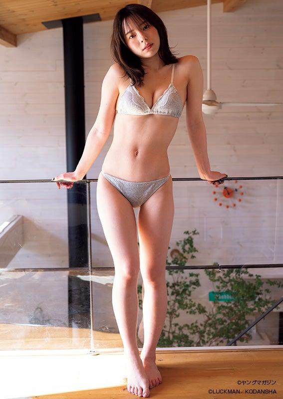 現役上智大生・マーフィー波奈、初の本格グラビア 抜群の色気と愛嬌で魅了 - モデルプレス